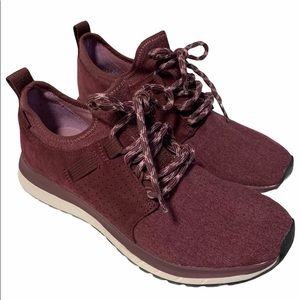 Roots Women's Rideau Low Sneaker red burgundy